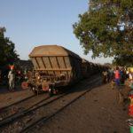 Passaggio a livello di treni coi fosfati che arriveranno in Europa